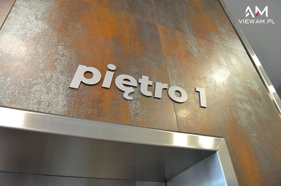 litery_z_dibondu_reklamowe_klinika_pietro_1